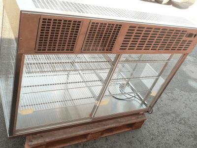 Chladící vitrína stolní samoobslužná